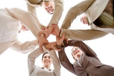 ¿Cómo pueden las Pymes obtener y mantener clientes?