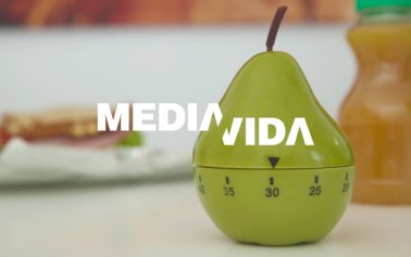 Vídeo: Comer en media hora para ganar media vida